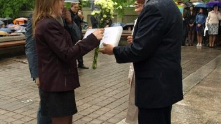 Meras Vytautas Grubliauskas abiturientams linkėjo nepamiršti Klaipėdos