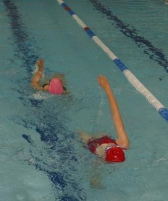 Jauniesiems klaipėdiečiams- nemokamos plaukimo pamokos