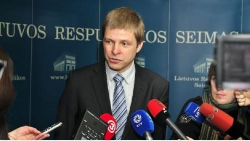 Seimas pritarė R. Šimašiaus idėjai talentams lengviau suteikti Lietuvos pilietybę