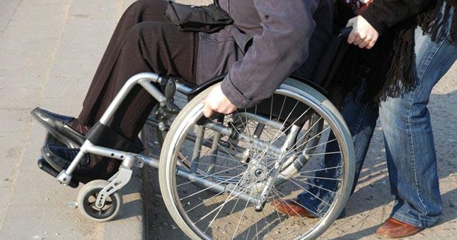Neįgaliems asmenims – nemokama teisinė pagalba