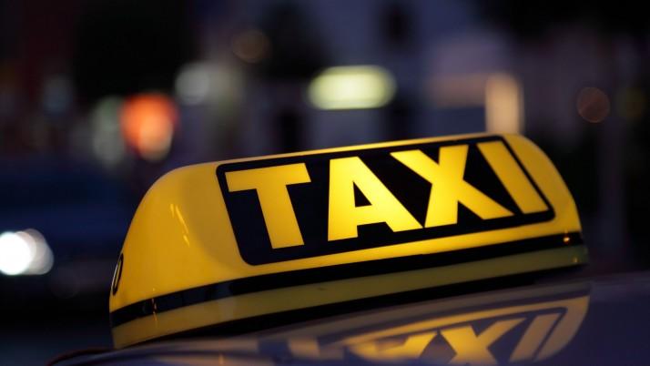 Sutarė dėl laisvo taksi paslaugų teikimo