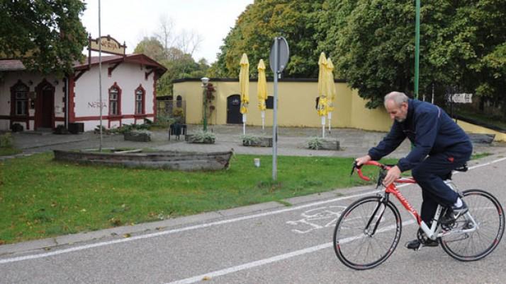 Žada rekonstruoti Smiltynės dviračių takus