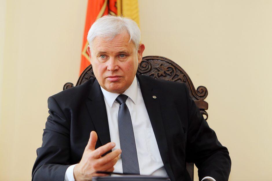 Klaipėdos meras: socialinių darbuotojų atlyginimai turi didėti šiemet
